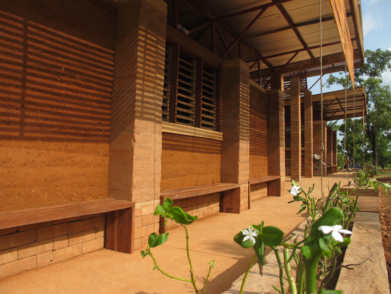 BUILDING A SCHOOL FOR GHANA